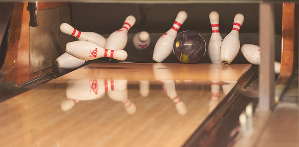 Oil Pattern Tests at Princess Lanes by Professional Bowlers
