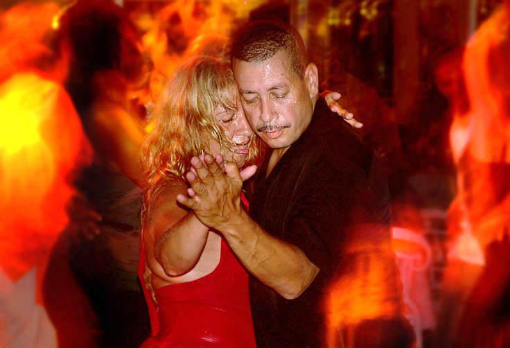 Sweat and fire<br /> Salsa at Tavern on the Green, New York, 2007