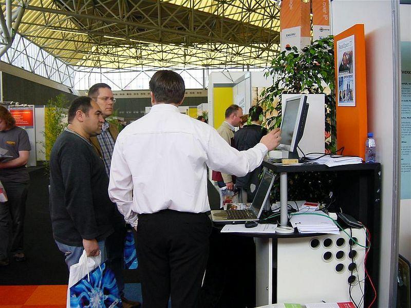 Albert-Jan giving a demo