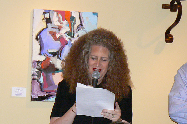 Robin reading the speech written for her by Teddy (Dr. James Lattin)