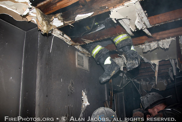 OVERHAUL: Still alarm 245 W. 107th St. Looking hidden fire in the cockloft<br /> 4/5