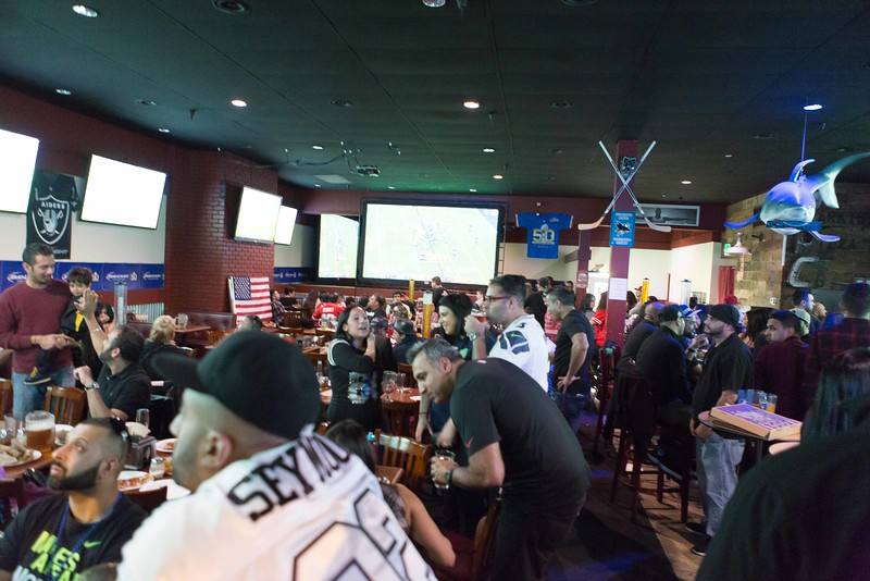 @ Parktown Pizza - Place was crowded with brocos and panther fans from both out of town and from bay area.