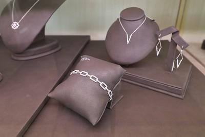 Urbanowicz Jeweler's in Caste Village, Urbanowicz Jeweler's