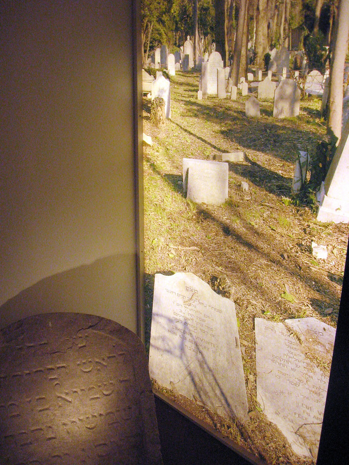 Photos of the Jewish cemetery.