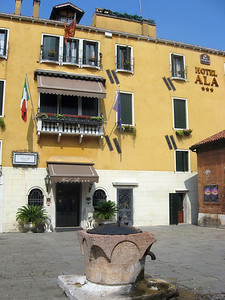 Hotel Ala, my home in Venice.