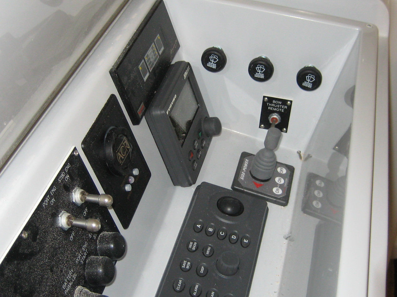 picture of bow thruster control on 45940.