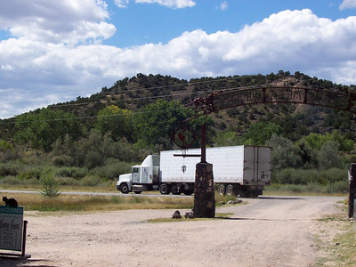A truck arrives with our grapes from Deming. All our grapes are from New Mexico. 80 percent of our grapes come from New Mexico Vineyards in Deming, 20 percent are grown by us or bought from small local farms in northern NM.
