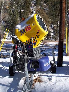 The super-advanced M18-auto from TechnoAlpin makes a huge pile of snow over night.