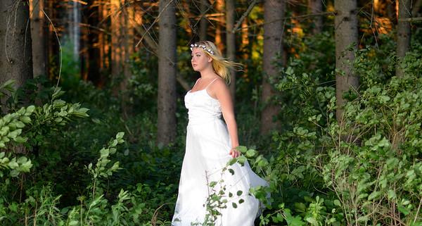Outdoor Bridal Photography in Syracuse NY, Liverpool NY, serving Central NY