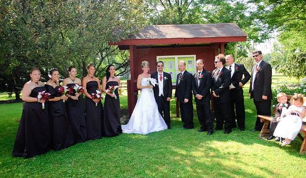 Wedding and Bridal Photography Syracuse NY and Fulton NY by Mariana Roberts at the Butterfly Garden Liverpool NY. Wedding and Engagement Photographer in Central NY and Upsatte NY.