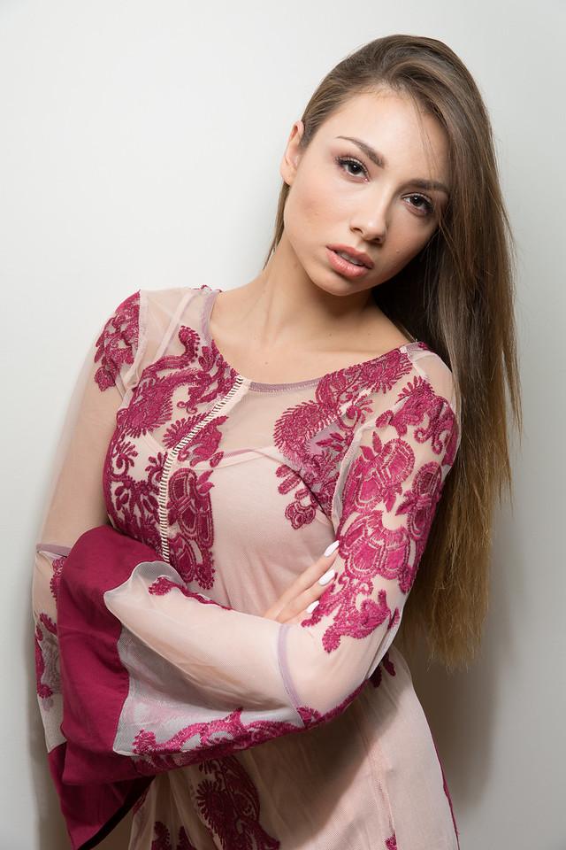 happy people models, Myriam