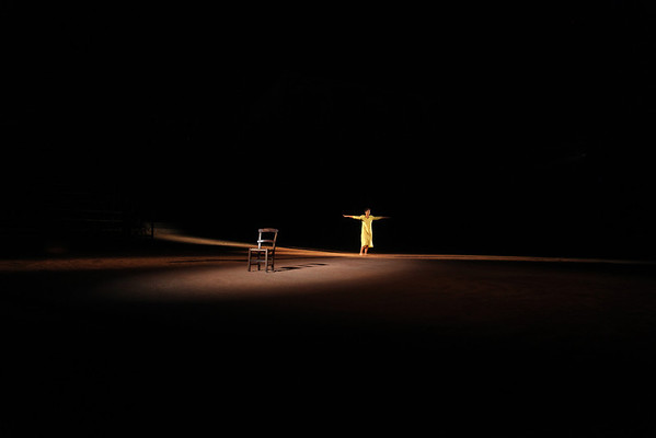 """""""Φεύγουσα κόρη"""" της Ρηνιώς Κυριαζή. Σκηνοθεσία: Μίρκα Γεμεντζάκη. Αισχύλεια 2012"""