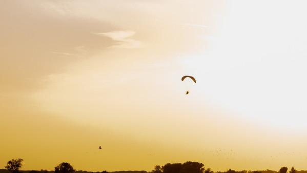 In volo al tramonto