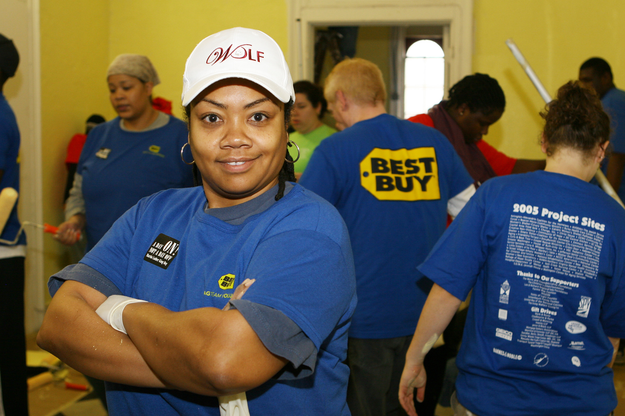 Employees of Best Buy, Inc., pitched in by painting the Franklin Shelter in downtown Washington at a King Day of Service project sponsored by the DC Jewish Community Center.  An estimated 10,000 volunteers served through more than 80 projects in and around Washington D.C.  They joined hundreds of thousands of Americans who participated in the 2007 King Day of Service, sponsored by the Corporation for National and Community Service.