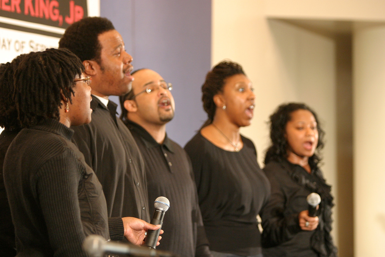 In Washington, D.C., the Martin Luther King, Jr., Day of Service started off with a ceremony at Howard University, with the Living Soul Gospel Group performed as part of the program.  An estimated 10,000 volunteers served through more than 80 projects in and around Washington D.C.  They joined hundreds of thousands of Americans who participated in the 2007 King Day of Service, sponsored by the Corporation for National and Community Service.
