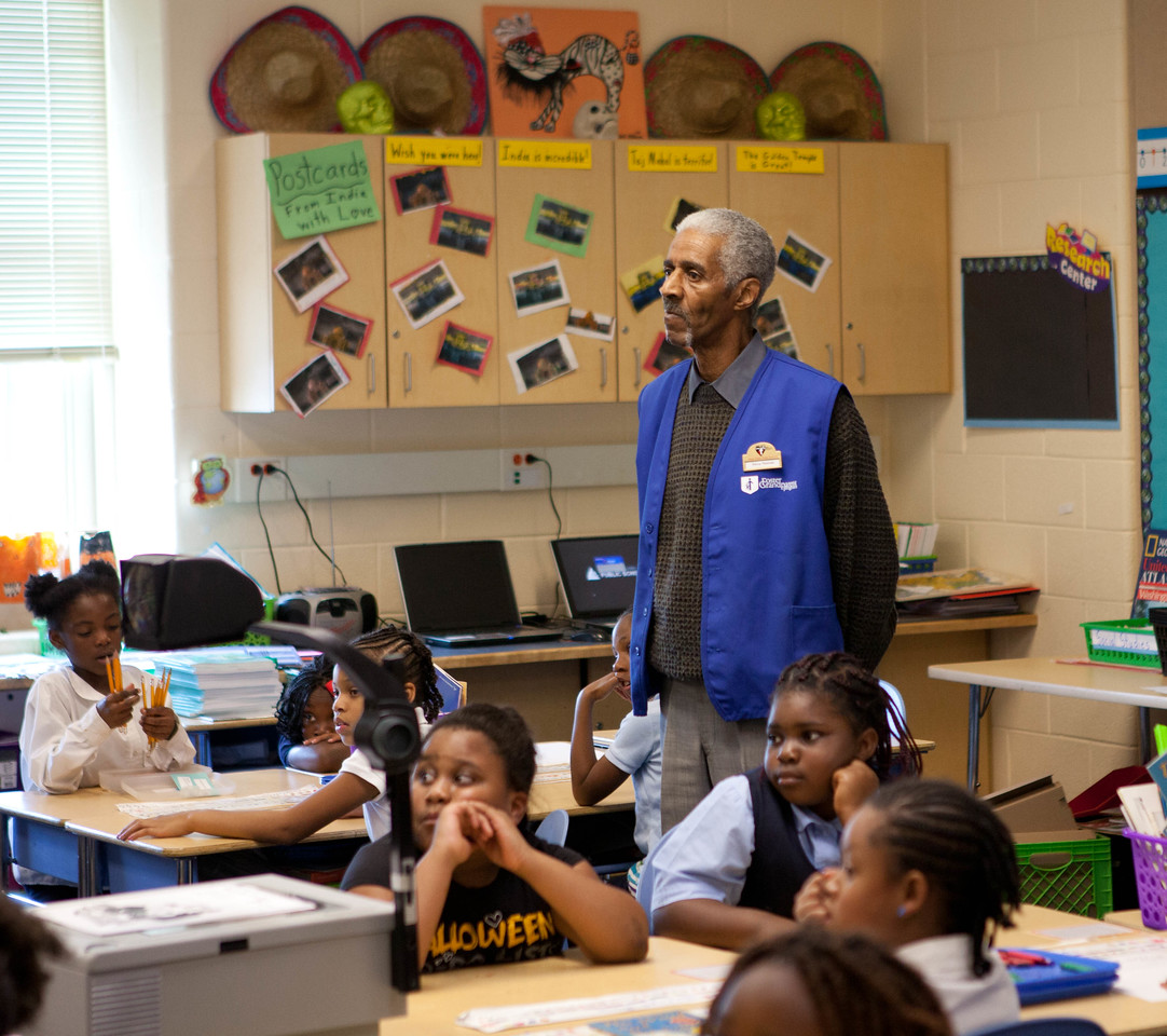 FGP, Percy Thomas and third graders at Miner Elementary school in Washington, D.C. Corporation for National and Community Service Photo.