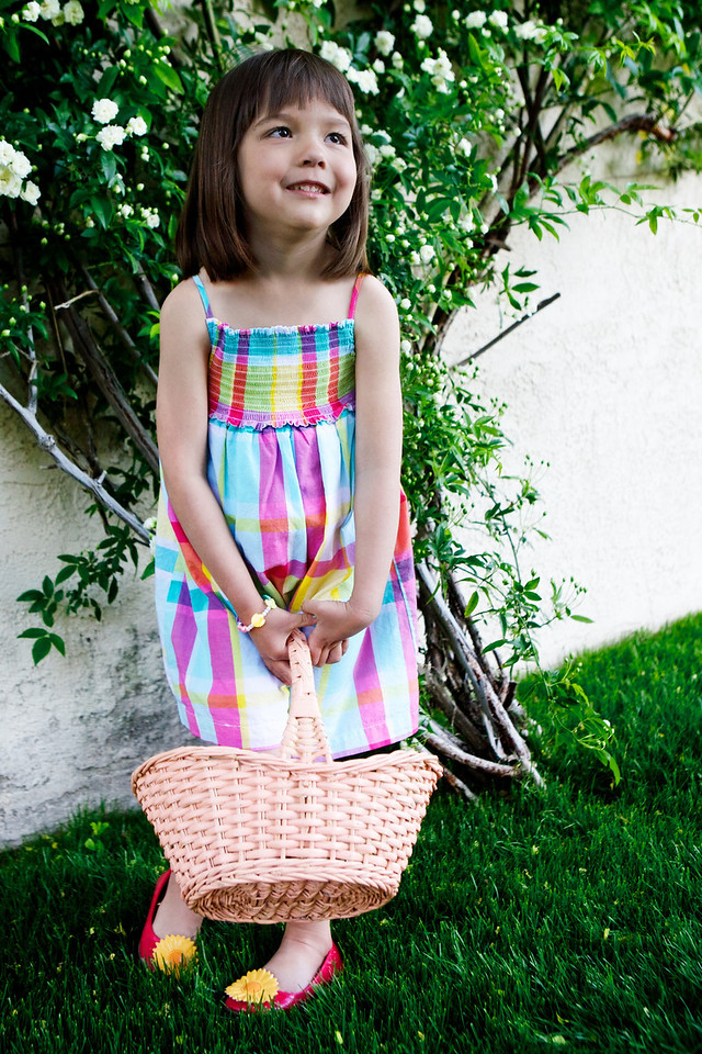 Came home for a Easter Egg hunt! J was able to wear the same dress she had ready for last Easter and never got to wear as she slept through the Easter Egg hunt... This year she was ready! <br /> <br /> Day 90 of 365<br /> 03-31-2013