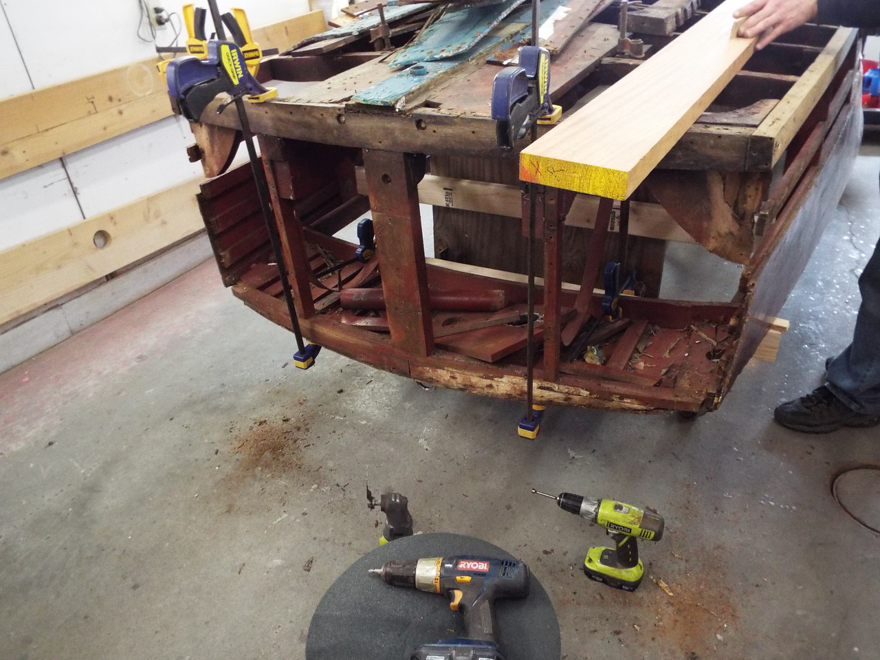 Old rear transom corners removed.