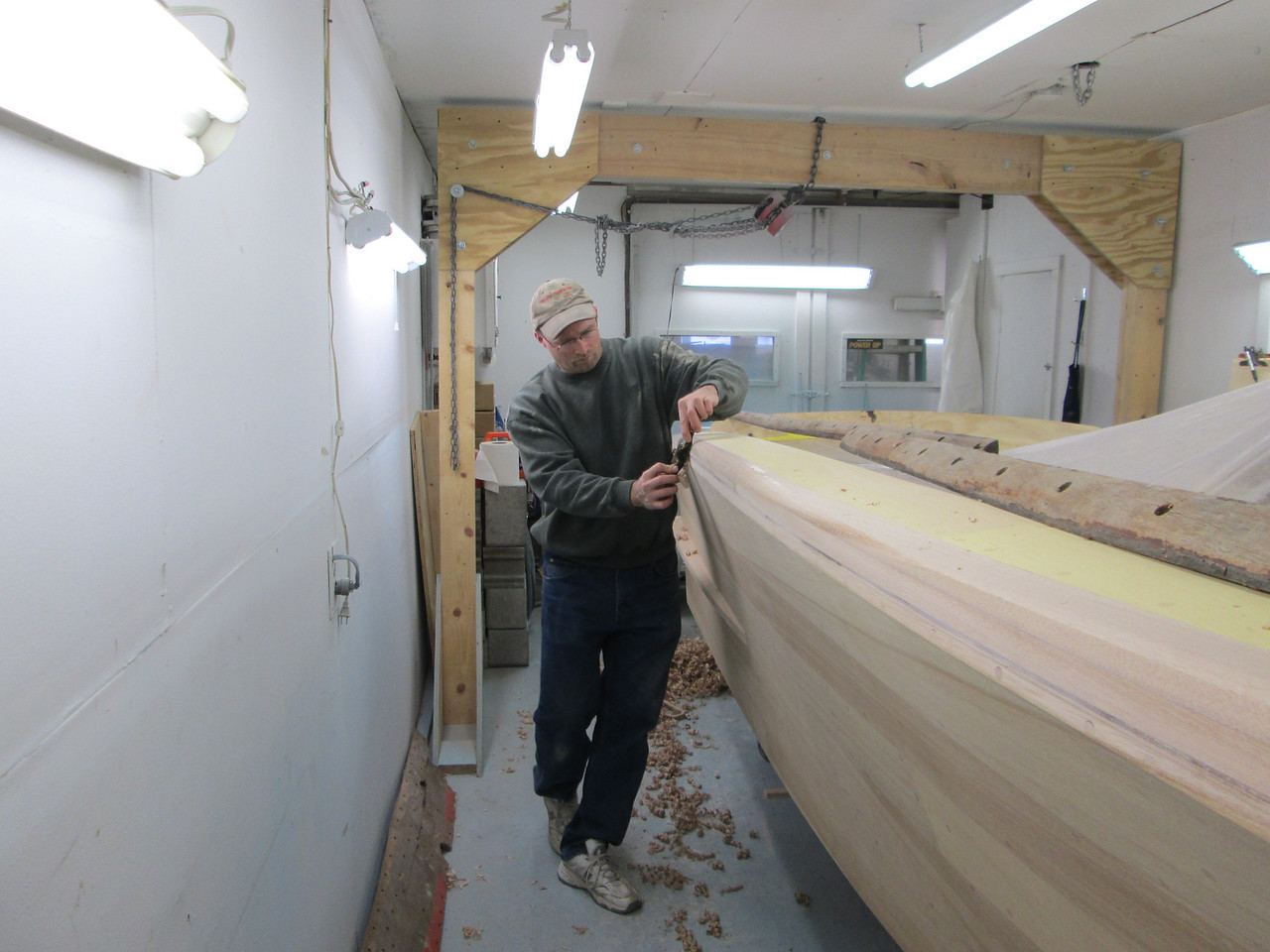 Shaping the cover board starboard side.
