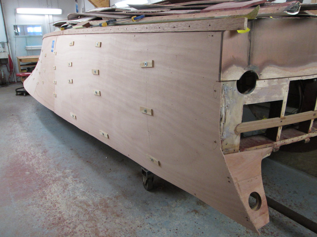 Rear starboard view with the plywood skin fit.