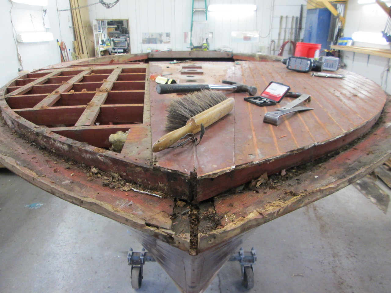 Front port and starboard cover board removed.