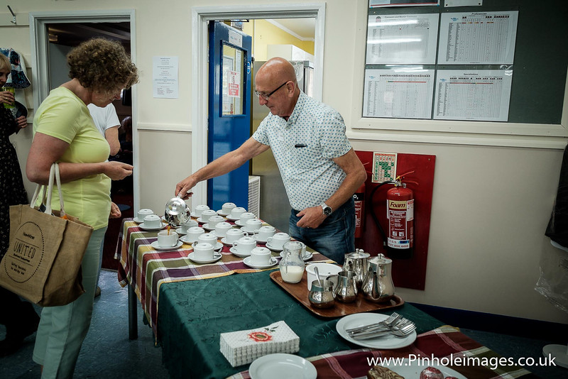 Dave doing a sterling job with the coffee and tea supplies! And cake!!