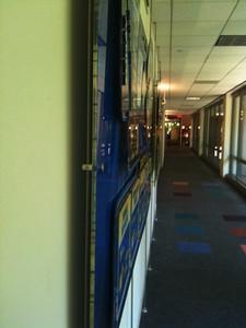 Ceiling-floor Rod Display