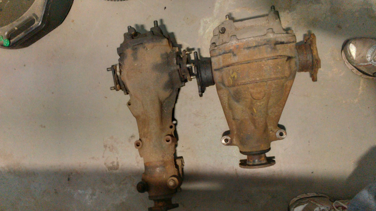 The R180 and R200 diff side by side.