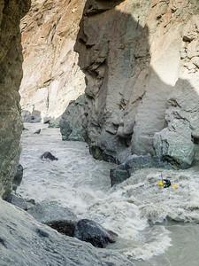 Kristof Sturssa in Tajikistan Muksu river