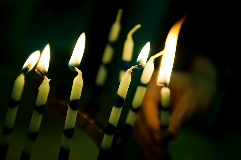17 december. the betting on the candles.