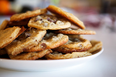 Monday, November 26, 2012:  MMMMMM... Jaya's cookies!