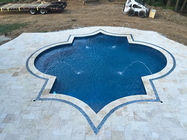 RANDOLPH 4 - Ornamental pool and Outdoor Living