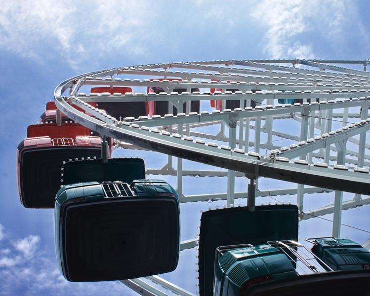 Sky Wheel Waiting - 142/365
