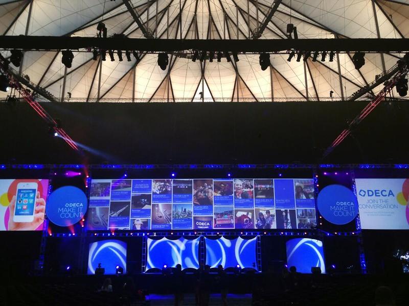 DECA Big Screen 2