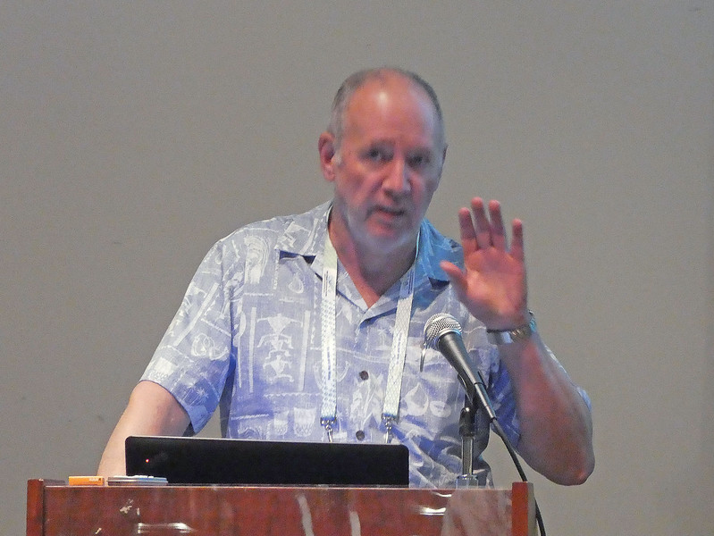 Lecture at AOGS, Honolulu. Photo by Ian White.