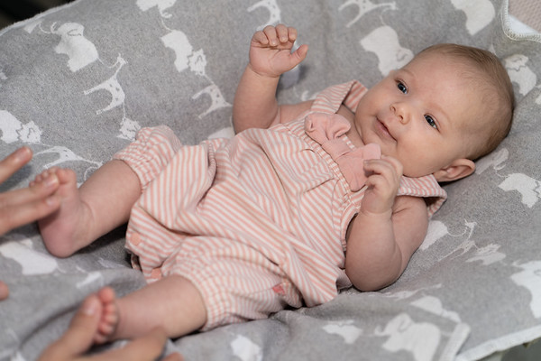 Mikayla 6-weeks 03255 by Art M Altman 2018-Aug