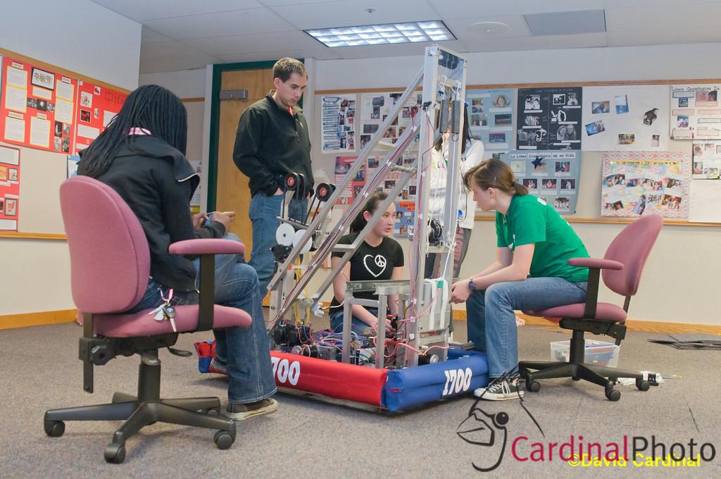 Gatorbotics Build and Ship Night