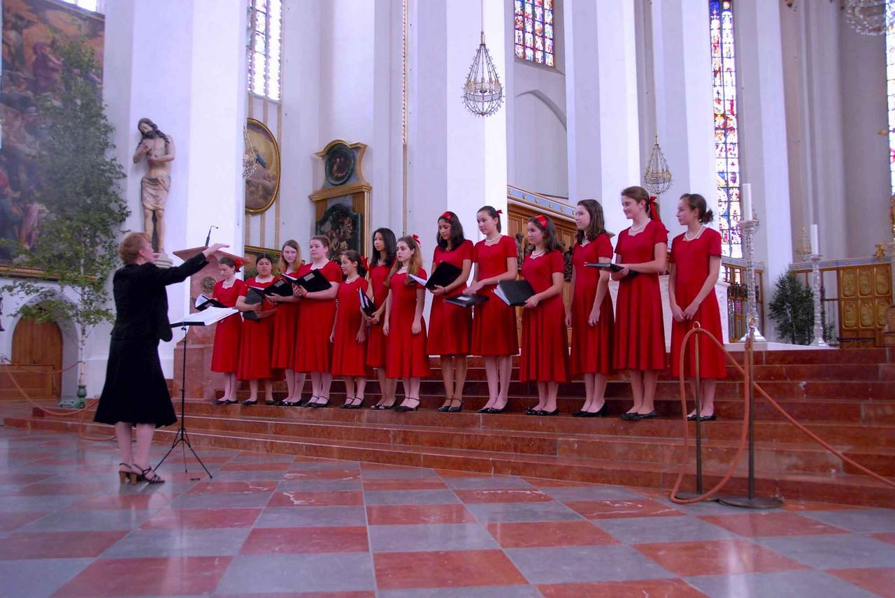 First song at Frauenkirche, Munich