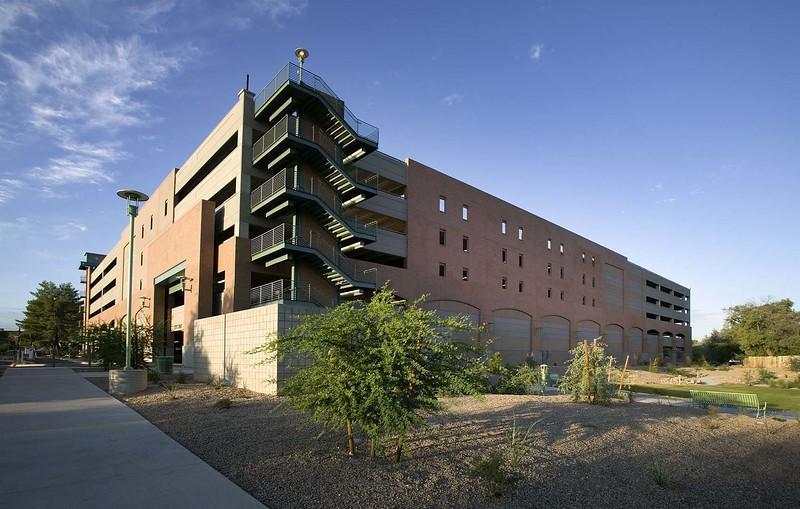 01-8344 Highland Avenue Parking Garage