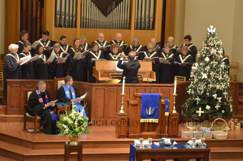 Dec. 2, 2012 - We recently underwent an renovation in the Maxwell Street Presbyterian Sanctuary. One of the aims was to lower the wall in front of the choir loft, which is why I so loved being able to get this clean shot of the choir on the first Sunday of Advent. (352/366)