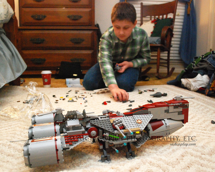 Dec. 27, 2011 - Building the star fleet, one set at a time. (12/366)