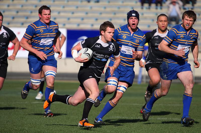 Splits The Defence - 2010 Club Semi Final