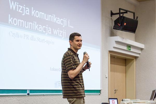 Łukasz communicates vision