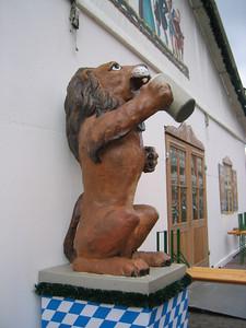Löwenbräu Lion
