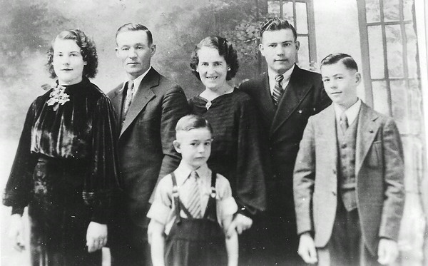 Carl Lizzie Family