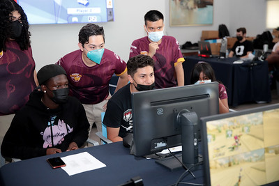 Young residents of Century Villages at Cabrillo get mentoring from CSUDH students.