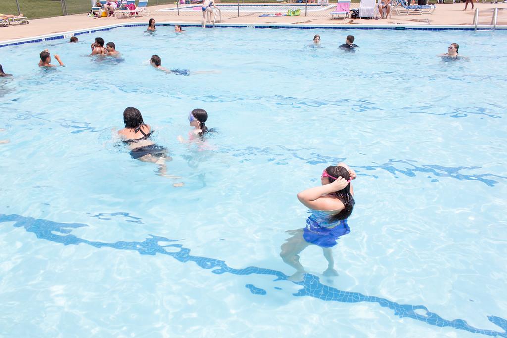 {Buddies} at Loriella Pool