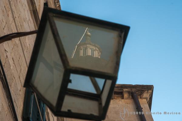 Dubrovnik - lantern reflections