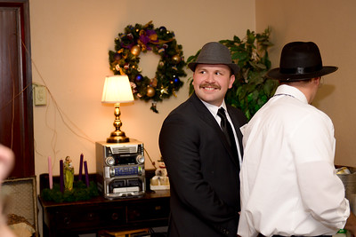 Holiday Party (2016) (34 of 130)