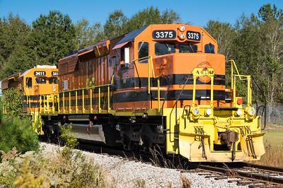 Alabama Gulf Coast Railroad (AGR) engines, a Genesee & Wyoming Inc. railroad, east of Demopolis, AL (Oct, 2018)